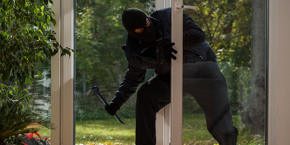 daytime-burglar