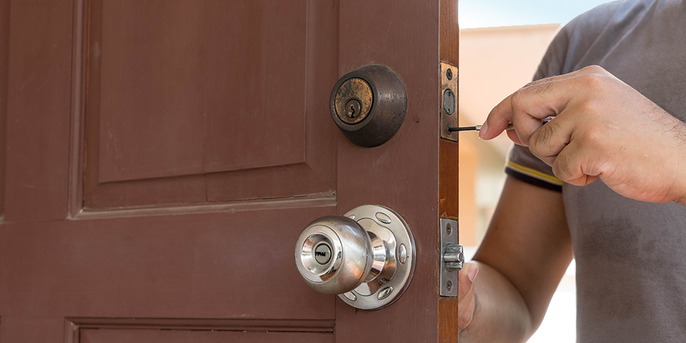 Installing A Lock On Door Mycoffeepot Org