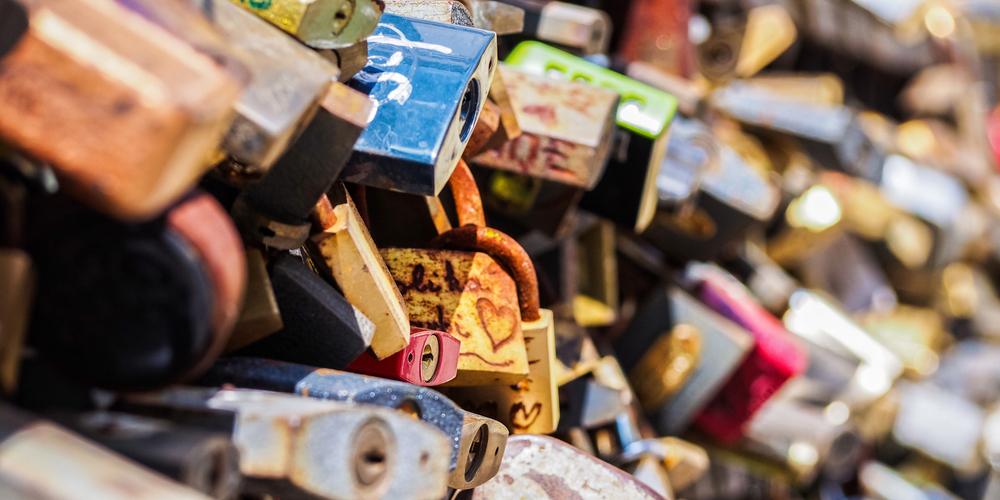 Lock Picking Padlocks